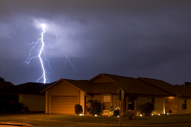 10 Tips to Prepare Your Home for Thunderstorms ⛈️