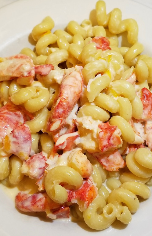 Traditional Four Cheese Blend Mac & Cheese with Lobster