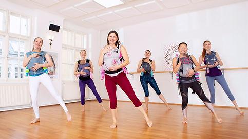 Mama Baby Fitness, Sport mit Baby in der Trage