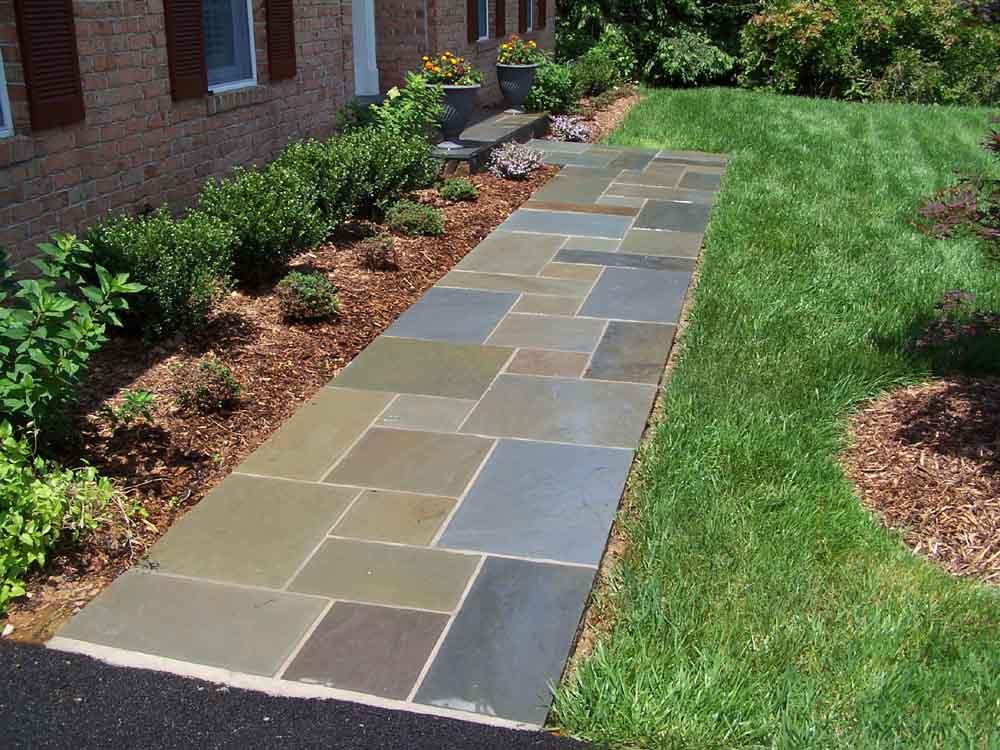 Dimensional Flagstone Walkway