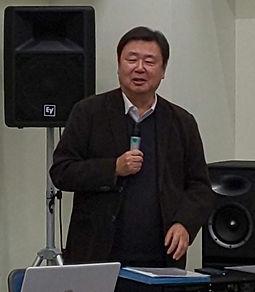 岩田健一郎さん.jpg