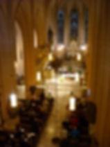 歴史あるミサで献奏(オルガン脇からの眺め).jpg