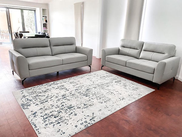 mari.couch.jpg