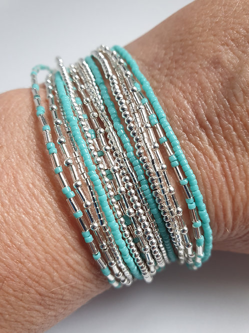 Bracelet triple tours en argent 925 et perles de verre turquoise