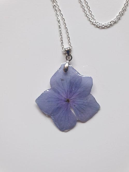 Collier fleur d'hortensia et chaine argent