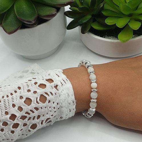 Bracelet en argent et perles de lune