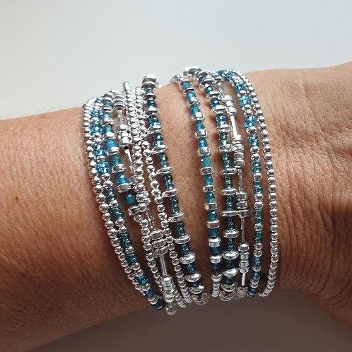 Bracelet double tours en argent 925 et perles de verre bleues