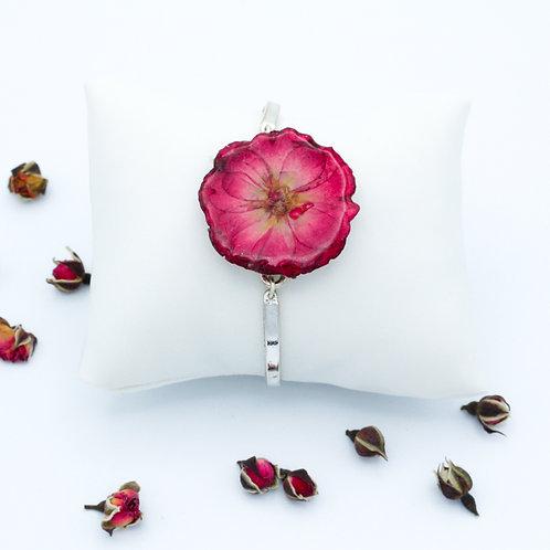 Bracelet en métal et rose séchée
