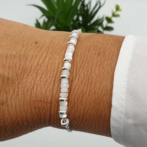 Bracelet en argent et rondelles en nacre blanche