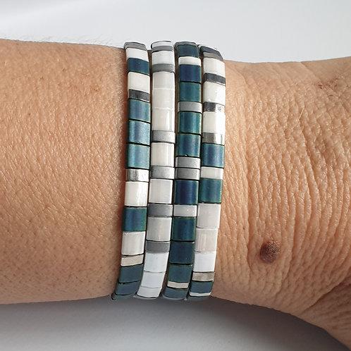 Composition de 4 bracelets en perles Miyuki