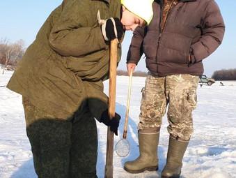 Зимняя рыбалка на реке Урми