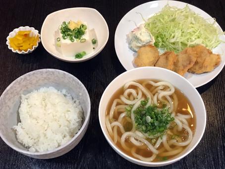 本日は豚ヒレカツ定食と玉子丼カレーあんかけ(小うどん付)