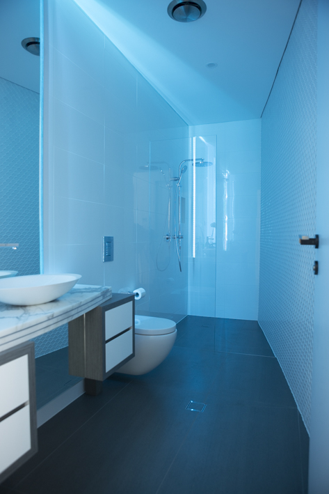 Powder Room / Led Blue Light