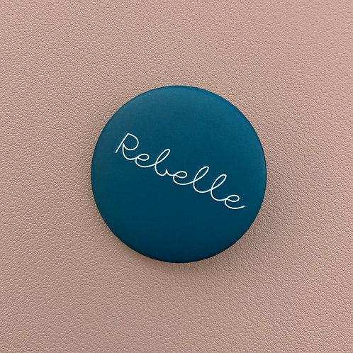 Badge Rebelle Pétrole