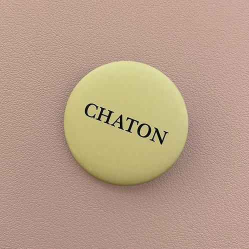 Badge Chaton Jaune Pâle