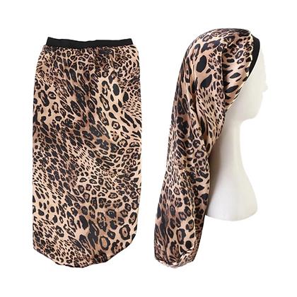 Bonnet en satin léopard