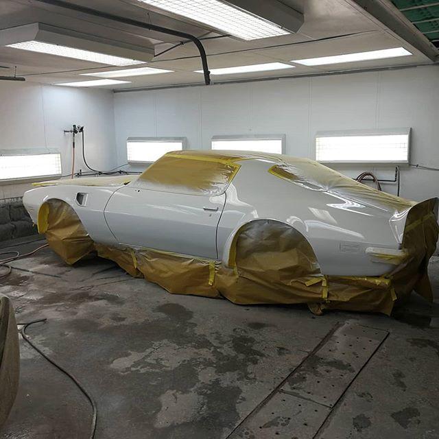 2 Pontiac Trans Am Ram Air III is gettin