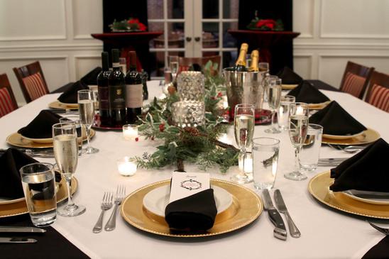 Christmas Vantaggio Room .jpg