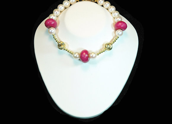 Raspberry Jade, Gold & Pearl Bracelet
