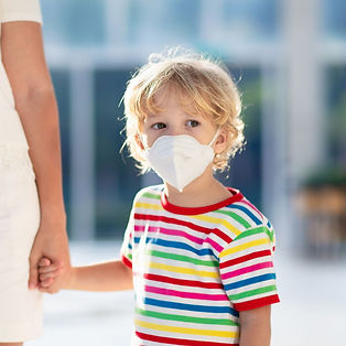 0_Mother-and-child-with-face-mask-and-ha