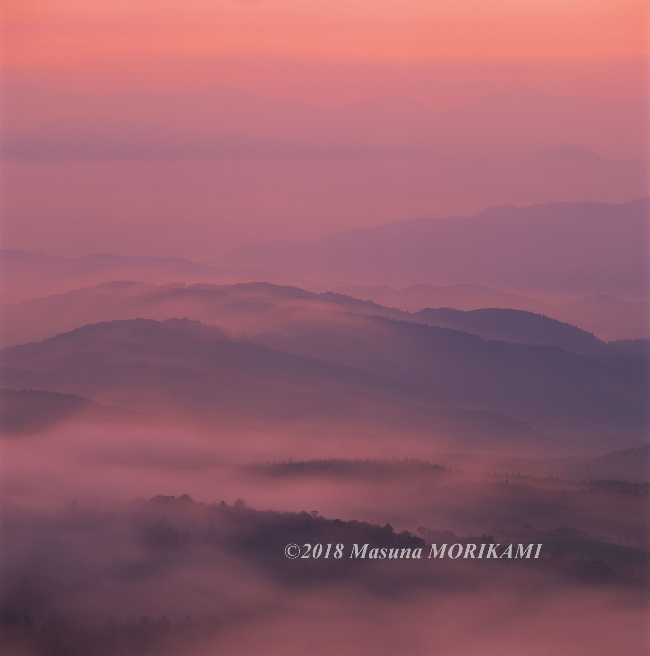 07 染まる山なみ/長野県根羽村/2011.10.9 5:35