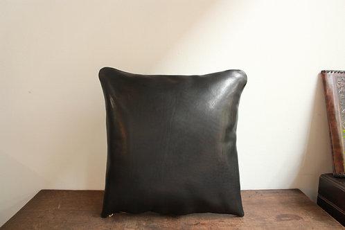 栃木レザーのクッション 漆黒