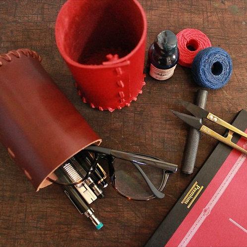 【動画レッスン付】革レースのかがり縫いペン立て