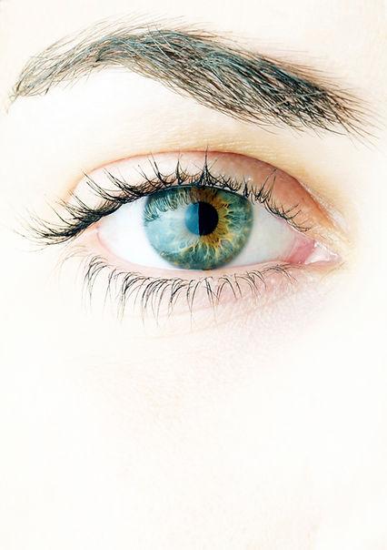 Female_green_hazel_eye.jpg