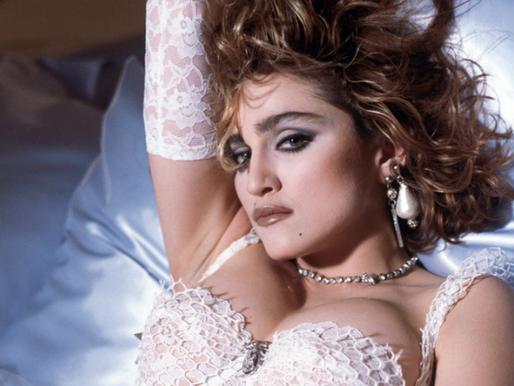 "Taburóloga: ""Eu nunca beijei"" e o tabu da virgindade"
