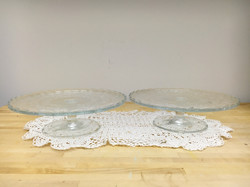 Glass cake/pie stands