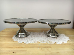 Metal cake/pie stands