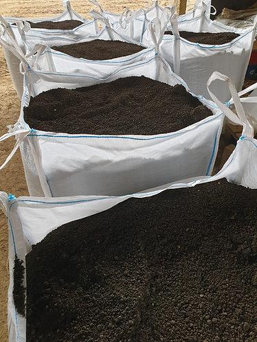 8mm GSB Screened Topsoil - 900kg dumpy Bag