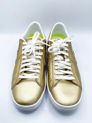 Converse Gold Sneaker