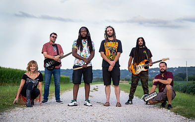 The Irie Lions - group photo.jpg