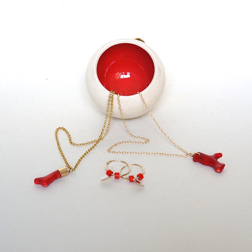 CORAL PENDANT NECKLACE with gold end caps
