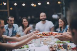 Amis manger le dîner