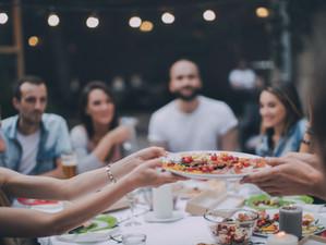 עכשיו זה מוכח במחקר חדש: מי שאוכל לבד - אוכל יותר