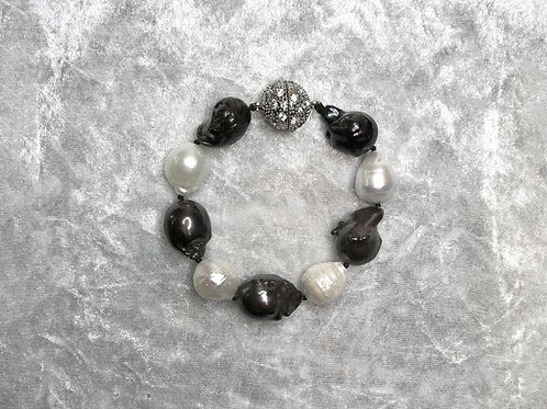 Black and White Baroque Pearls Bracelet