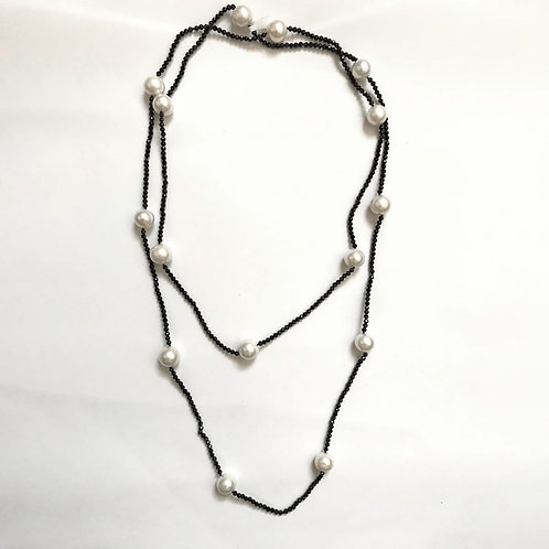 White Freshwater Pearls With Faceted Black Spinel