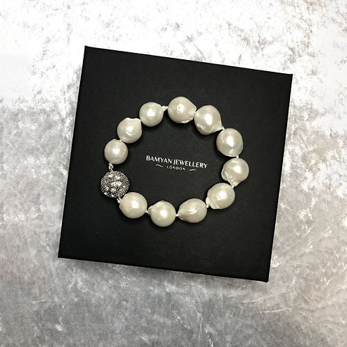 White Baroque Pearls Bracelet