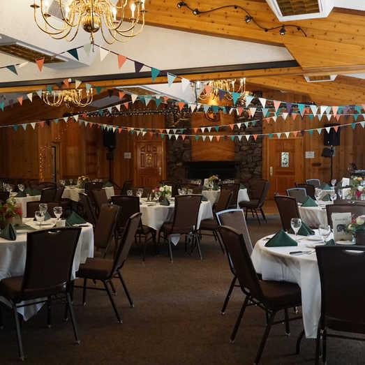 Small Reception | Simple Wedding Decor
