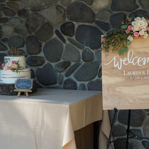 Welcome Sign   Wedding Cake Table