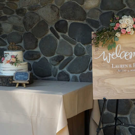 Welcome Sign | Wedding Cake Table