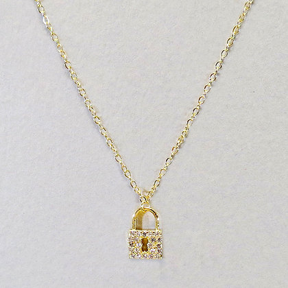 Cubic Zirconia Lock And Dainty Necklace - Gold