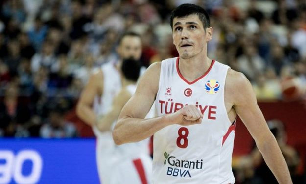 Ersan Ilyasova Turchia Around the Game NBA