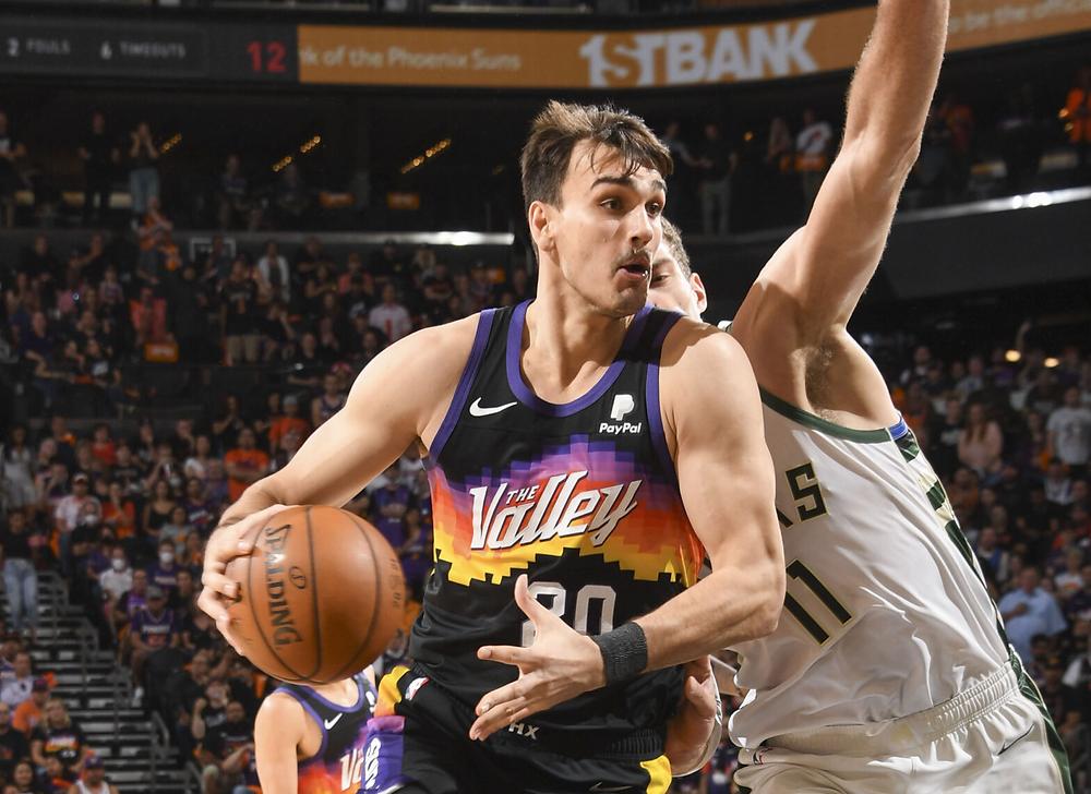 Dario Saric Phoenix Suns Around the Game