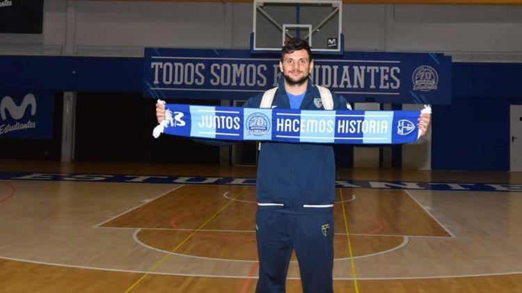 Ale_Gentile_Estudiantes_NBA_Around_the_Game