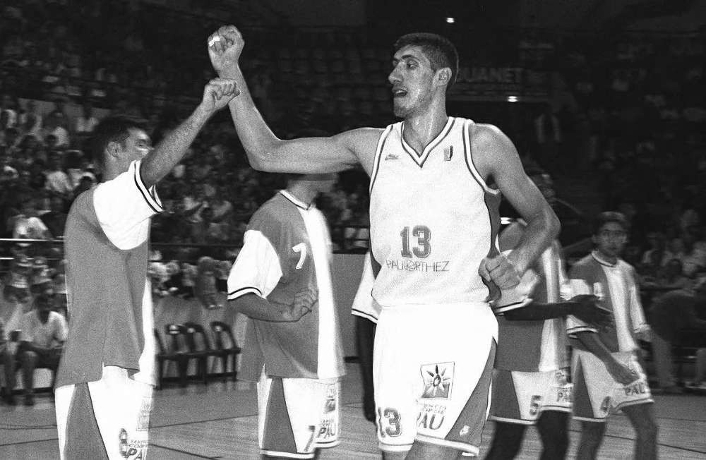 Gheroghe Muresan Pau-Orthez Around the Game NBA