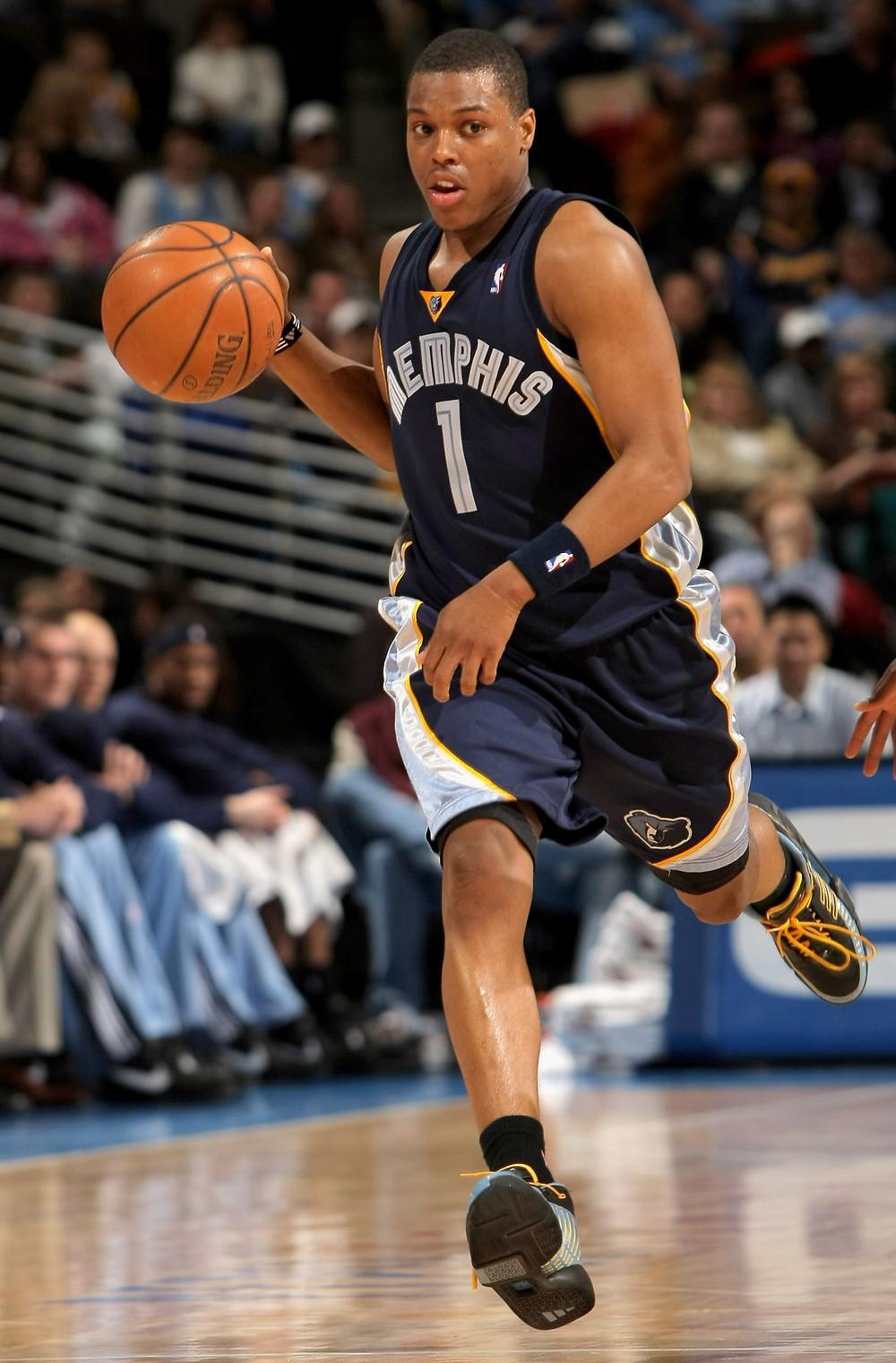 Kyle Lowry Memphis Grizzlies NBA around the game