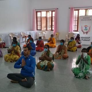 celebrating-international-yoga-day-05jp